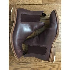 Everlane Chelsea ankle boots 8